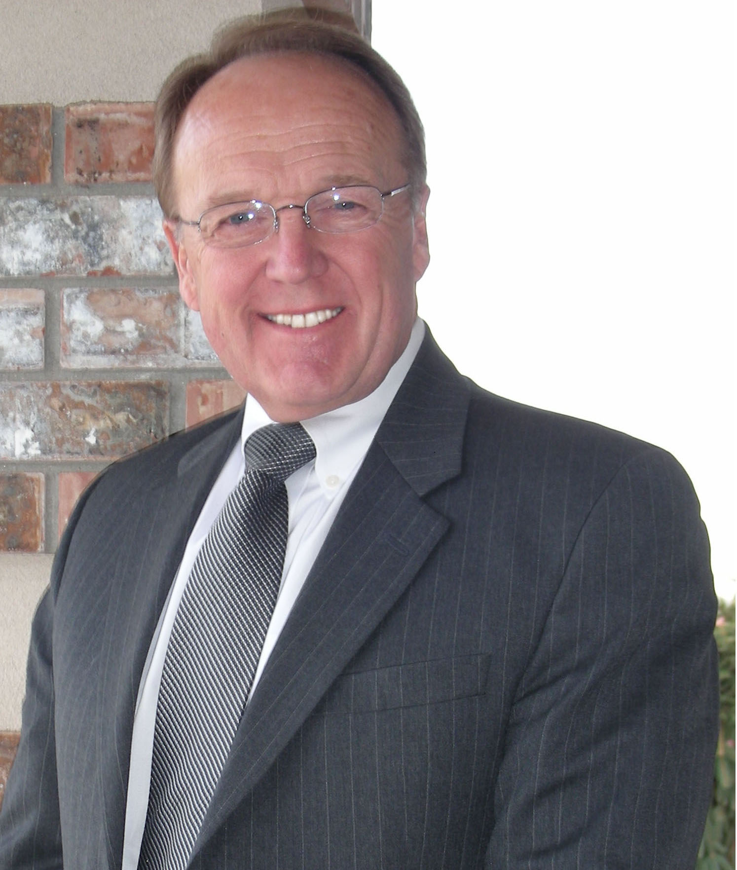 Robert L. Powers, CEO